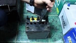 Можно ли поменять электролит в аккумуляторе