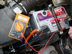 измерение емкости автомобильного аккумулятора
