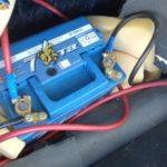 Как правильно поставить аккумулятор в машину