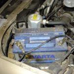 Горячий аккумулятор в машине, причины, по которым он кипит