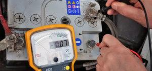 Каким мультиметром можно проверить автомобильный аккумулятор